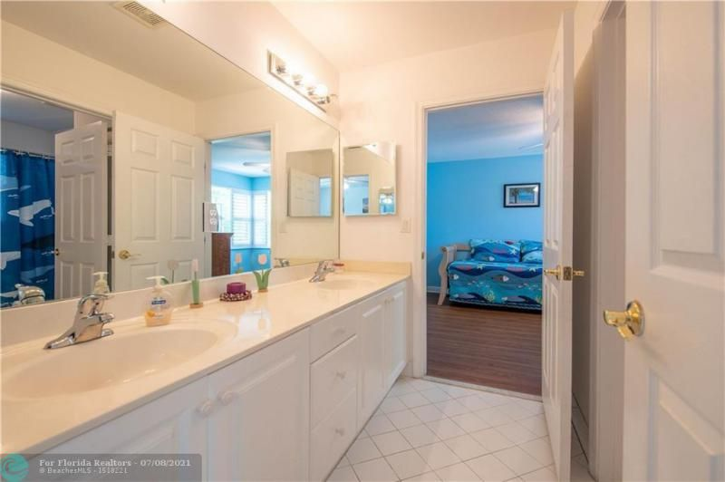 Riviera Isles for Sale - 5071 SW 170th Ave, Miramar 33027, photo 27 of 45