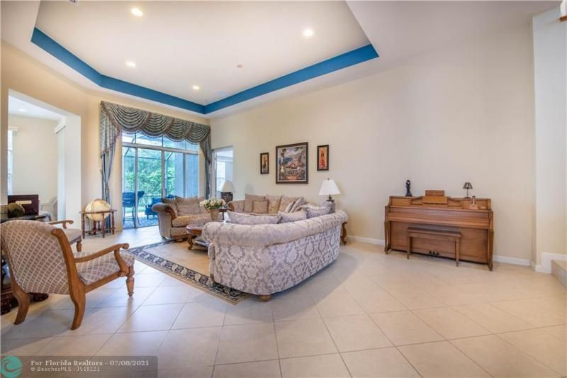 Riviera Isles for Sale - 5071 SW 170th Ave, Miramar 33027, photo 3 of 45