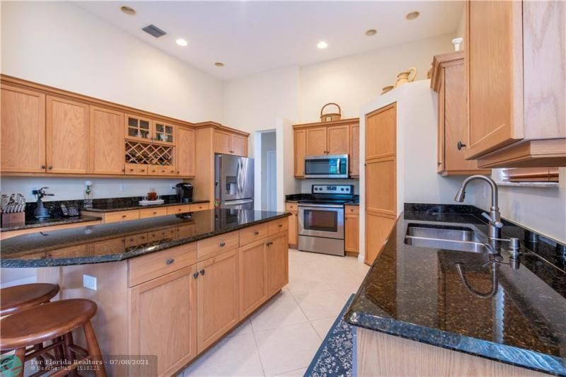 Riviera Isles for Sale - 5071 SW 170th Ave, Miramar 33027, photo 9 of 45