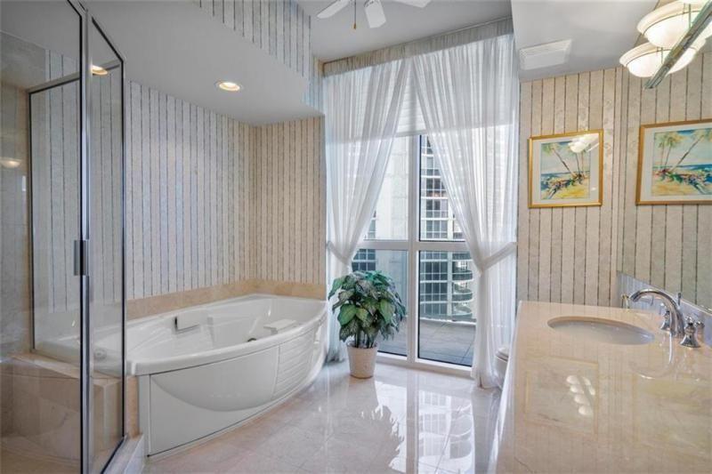 L'Hermitage for Sale - 3100 N Ocean Blvd, Unit 2001, Fort Lauderdale 33308, photo 22 of 56