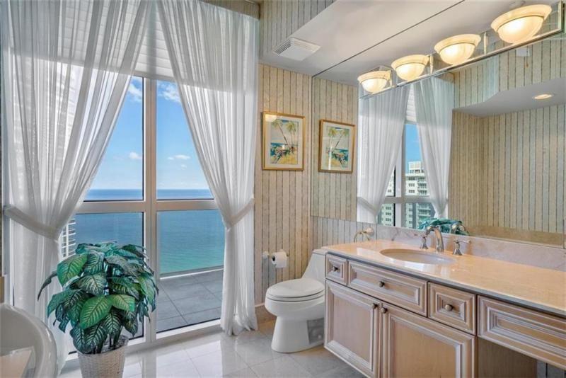 L'Hermitage for Sale - 3100 N Ocean Blvd, Unit 2001, Fort Lauderdale 33308, photo 24 of 56