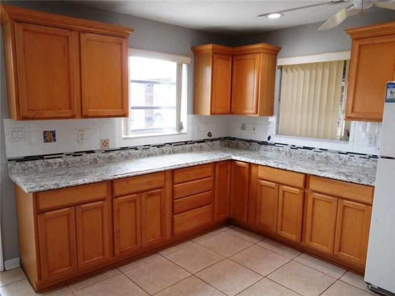 Margate 3rd Add 44-48 B for Sale - 6205 NW 9th Ct, Margate 33063, photo 4 of 16