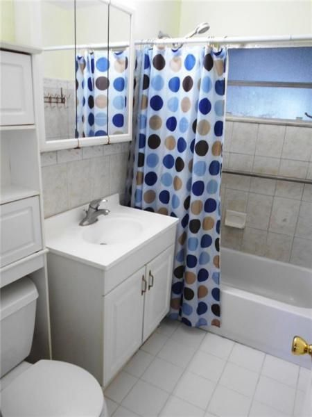 Margate 3rd Add 44-48 B for Sale - 6205 NW 9th Ct, Margate 33063, photo 8 of 16