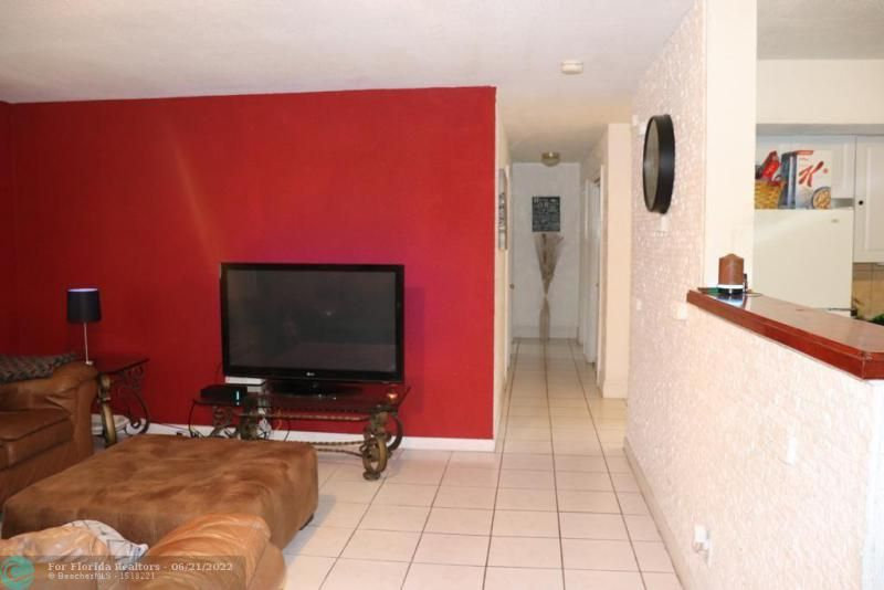 Greenleaf 42-9 B for Sale - 3790 NW 5th Ct, Lauderhill 33311, photo 23 of 38