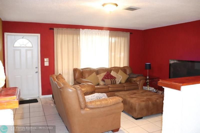 Greenleaf 42-9 B for Sale - 3790 NW 5th Ct, Lauderhill 33311, photo 24 of 38
