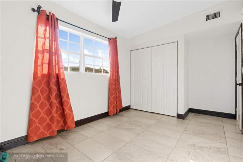 Broward Manor 33-16 B for Sale - 3205 NW 2nd St, Lauderhill 33311, photo 15 of 20