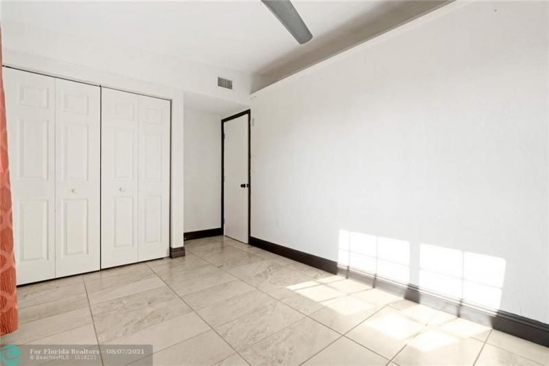 Broward Manor 33-16 B for Sale - 3205 NW 2nd St, Lauderhill 33311, photo 16 of 20