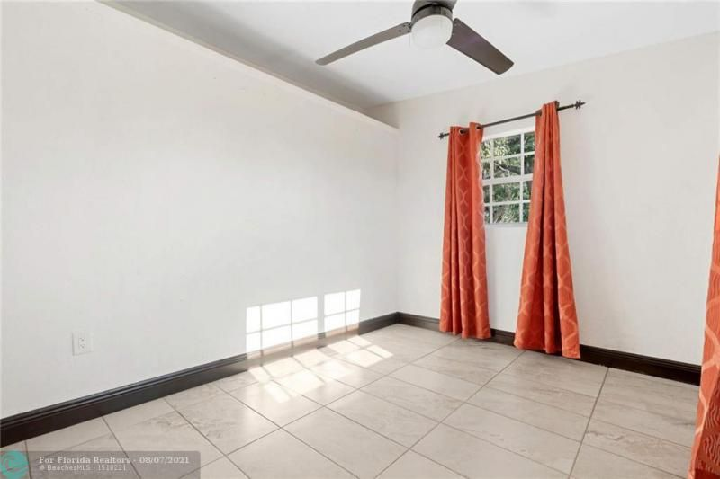 Broward Manor 33-16 B for Sale - 3205 NW 2nd St, Lauderhill 33311, photo 17 of 20