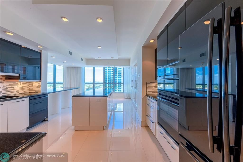Diplomat Oceanfront Residences for Sale - 3535 S Ocean Dr, Unit 2106, Hollywood 33019, photo 19 of 46
