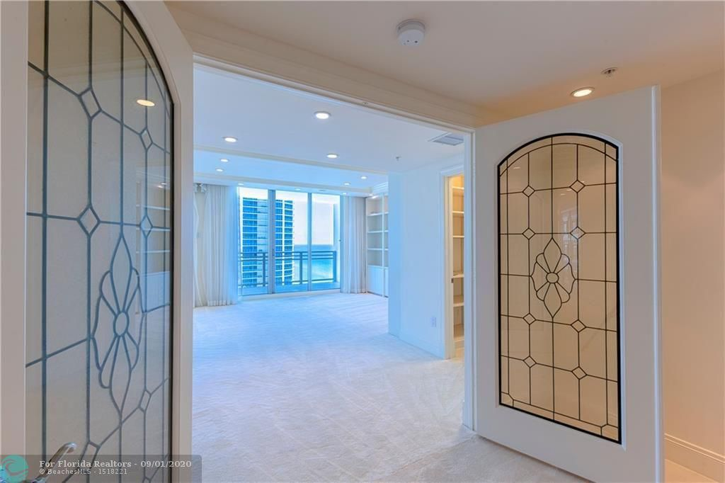 Diplomat Oceanfront Residences for Sale - 3535 S Ocean Dr, Unit 2106, Hollywood 33019, photo 21 of 46