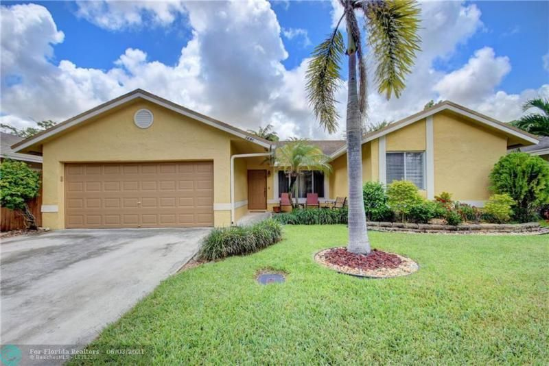Parkwood V for Sale - 3690 NW 58th St, Coconut Creek 33073, photo 1 of 44