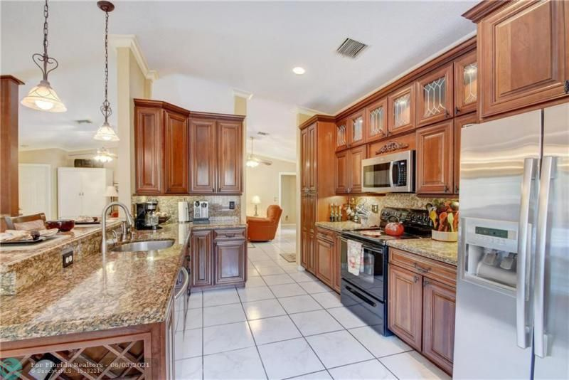 Parkwood V for Sale - 3690 NW 58th St, Coconut Creek 33073, photo 13 of 44