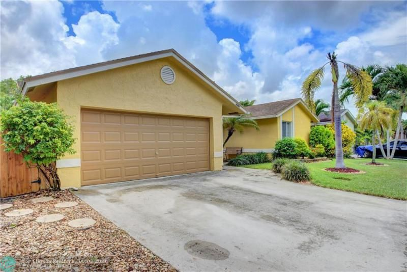 Parkwood V for Sale - 3690 NW 58th St, Coconut Creek 33073, photo 3 of 44