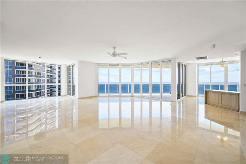 L'Hermitage for Sale - 3100 N Ocean Blvd, Unit 2009, Fort Lauderdale 33308, photo 8 of 35