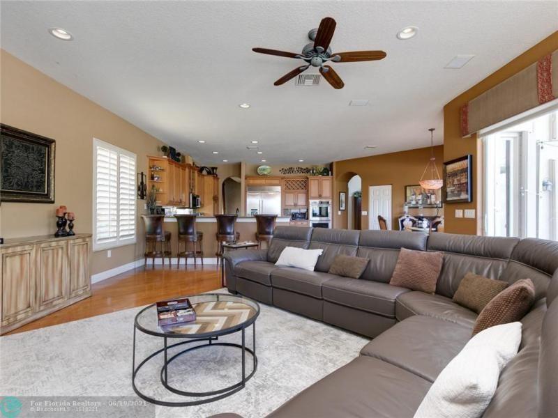 Long Lake Estates for Sale - 2960 W LAKE VISTA CR, Davie 33328, photo 25 of 87