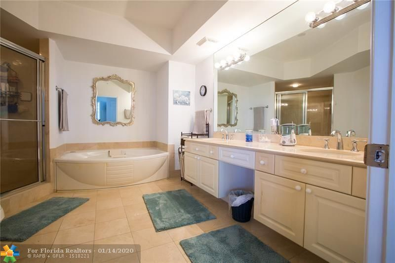 L'Hermitage for Sale - 3100 N Ocean Blvd, Unit 903, Fort Lauderdale 33308, photo 10 of 18