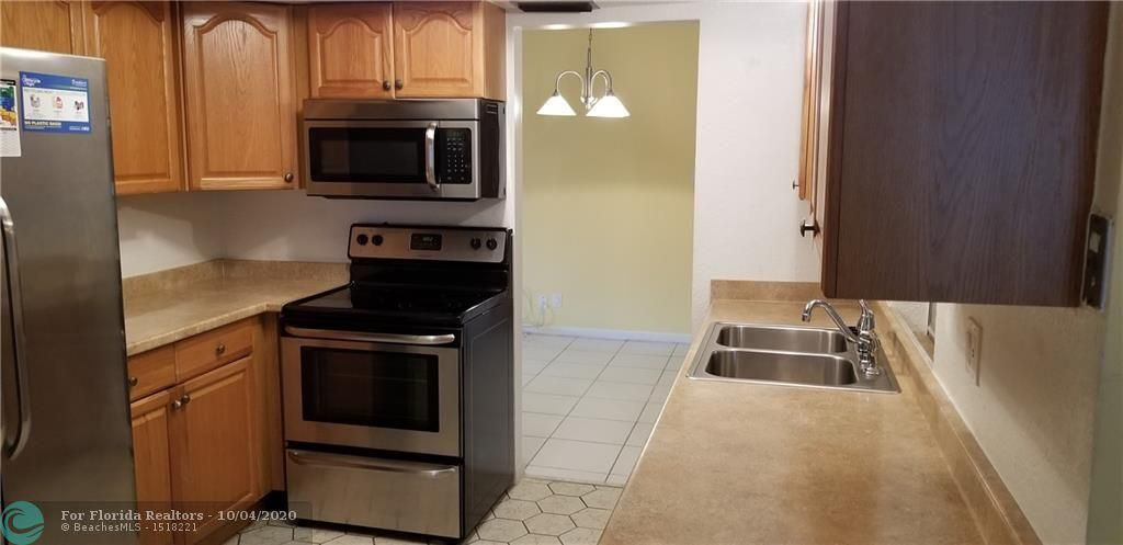 Paradise Gardens Sec 3 for Sale - 7000 NW 17th St, Margate 33063, photo 3 of 17
