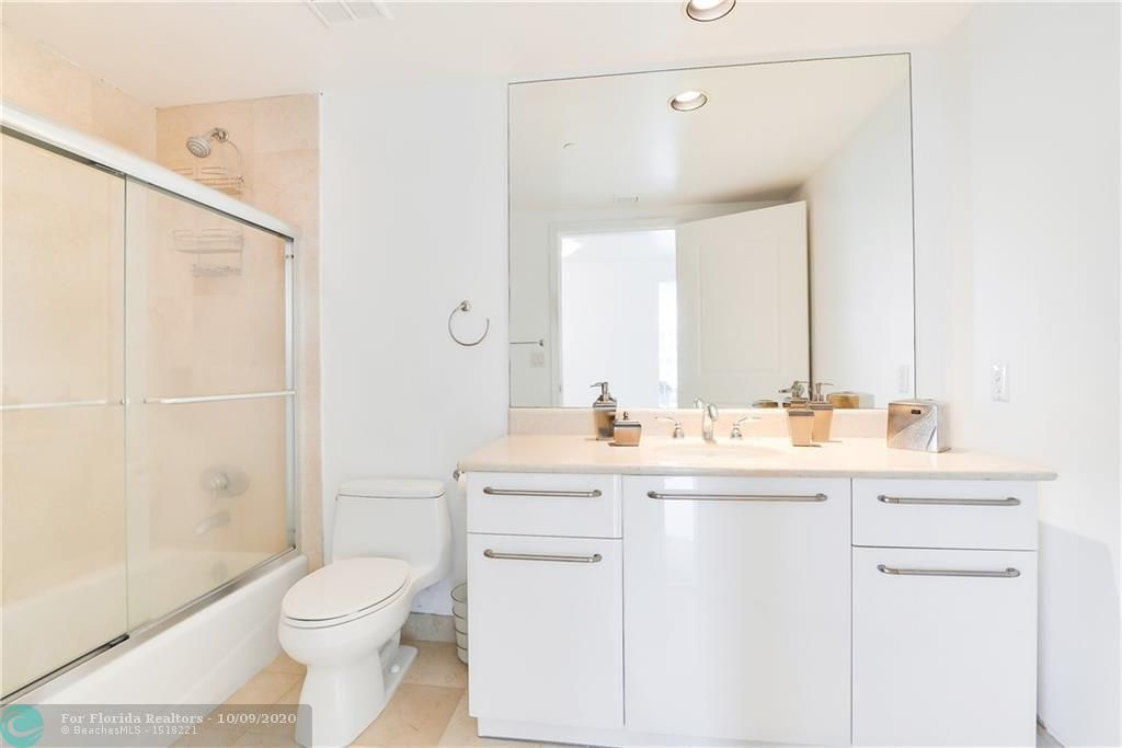 Ocean Palms for Sale - 3101 S Ocean Dr, Unit 2506, Hollywood 33019, photo 19 of 21