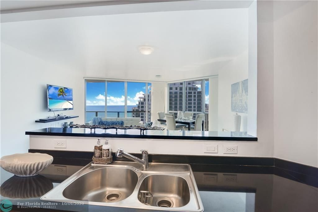 Ocean Palms for Sale - 3101 S Ocean Dr, Unit 2506, Hollywood 33019, photo 9 of 21