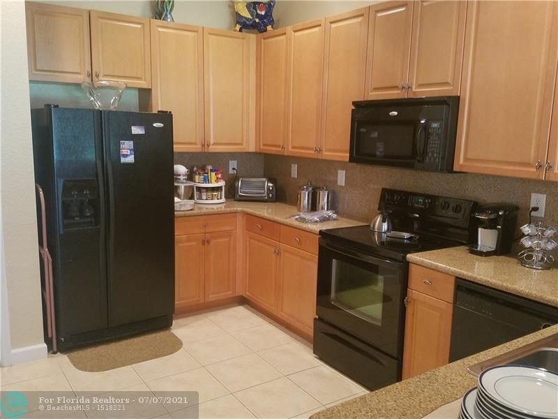 Heron Preserve for Sale - 6017 NW 118th Dr, Unit 6017, Coral Springs 33076, photo 3 of 28