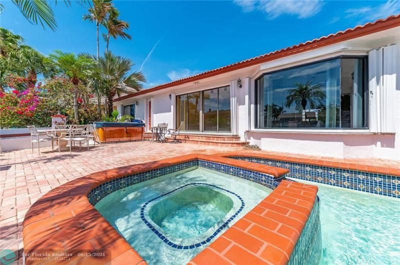 Venetian Isles for Sale - 4430 NE 29th Ave, Lighthouse Point 33064, photo 13 of 18