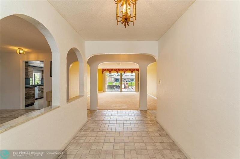 Venetian Isles for Sale - 4430 NE 29th Ave, Lighthouse Point 33064, photo 3 of 18