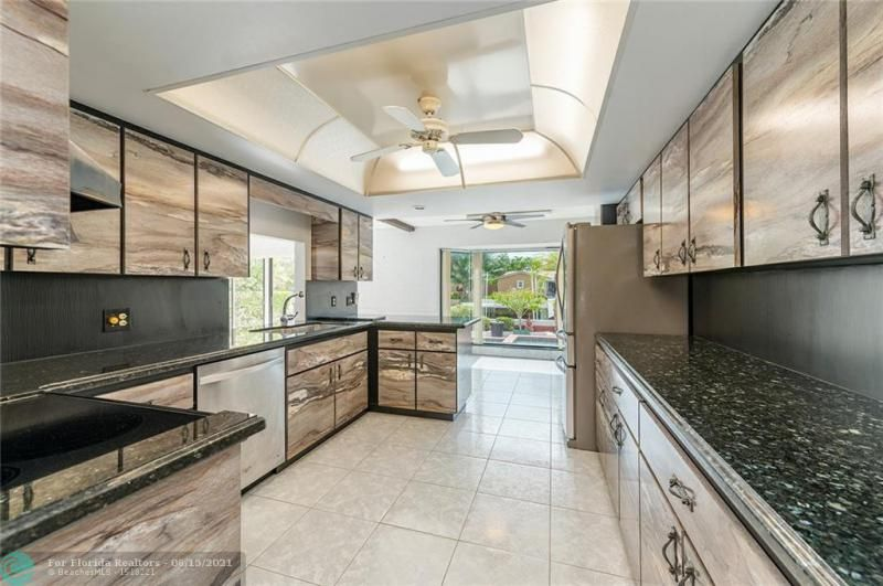 Venetian Isles for Sale - 4430 NE 29th Ave, Lighthouse Point 33064, photo 6 of 18