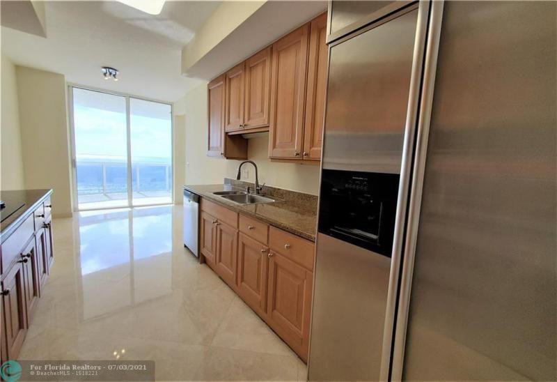 L'Ambiance for Sale - 4240 Galt Ocean Dr, Unit 905, Fort Lauderdale 33308, photo 15 of 38