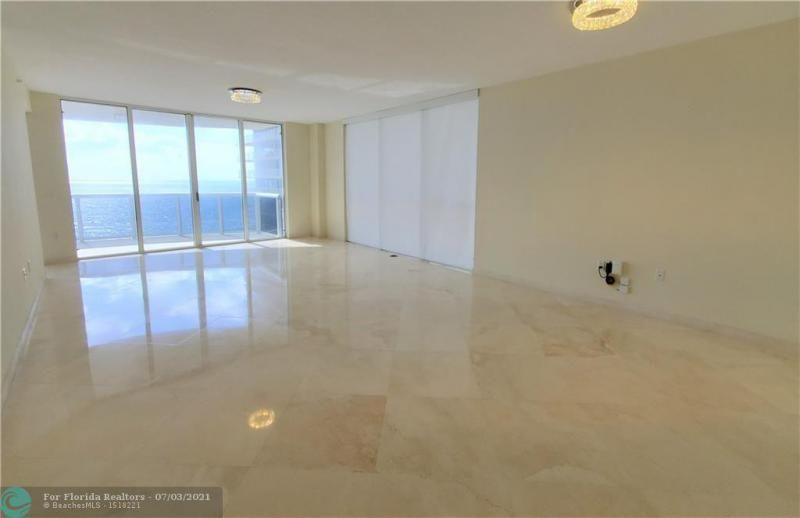 L'Ambiance for Sale - 4240 Galt Ocean Dr, Unit 905, Fort Lauderdale 33308, photo 9 of 38
