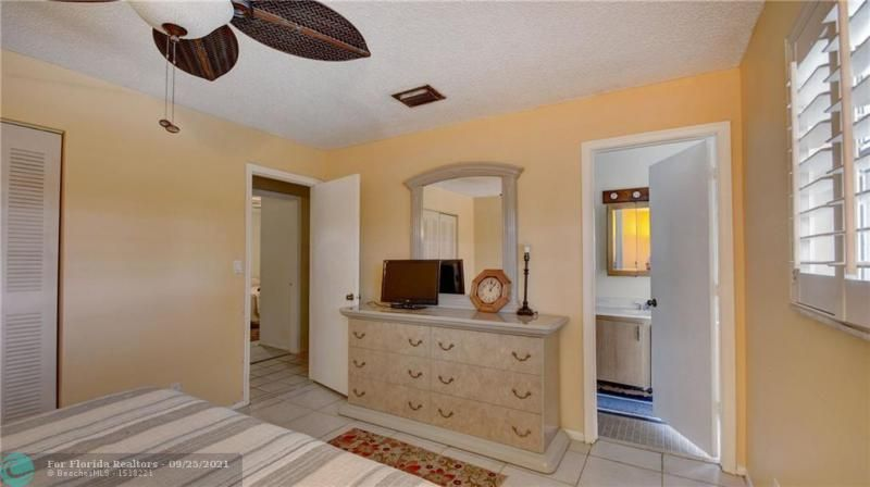 Homes Of Margate for Sale - 6713 NW 27th St, Margate 33063, photo 20 of 42