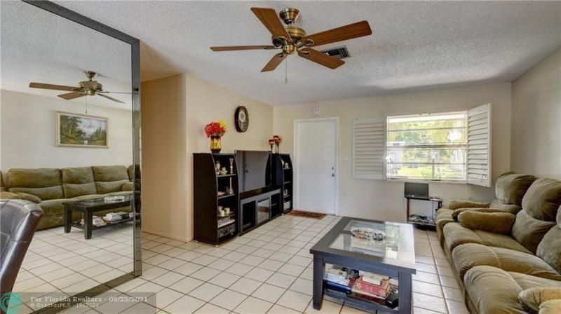 Homes Of Margate for Sale - 6713 NW 27th St, Margate 33063, photo 6 of 42