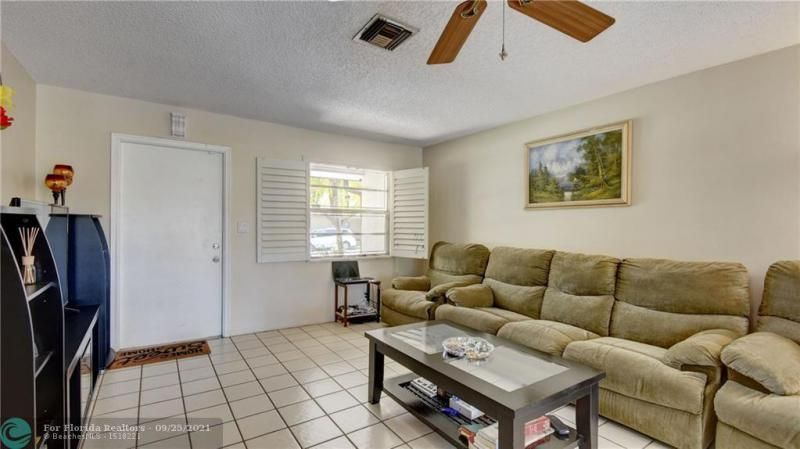 Homes Of Margate for Sale - 6713 NW 27th St, Margate 33063, photo 7 of 42
