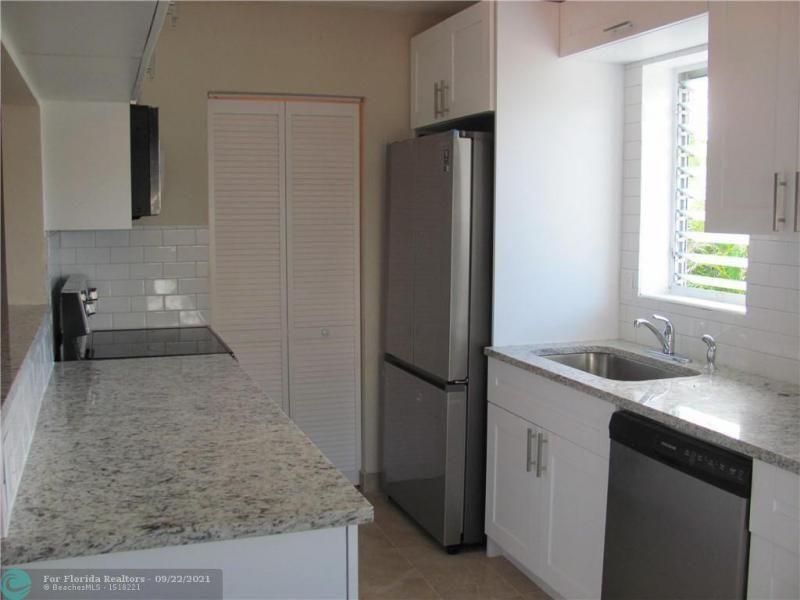 Ibec Add 8 48-14 B for Sale - 6114 Hogan Creek Rd, Margate 33063, photo 12 of 37