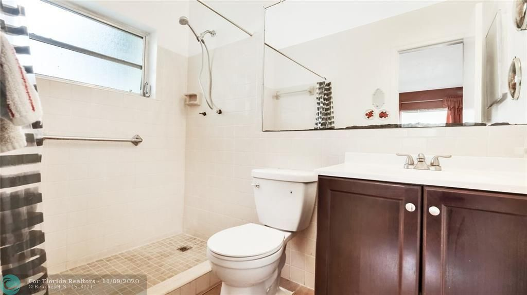 Paradise Gardens 67-37 B for Sale - 1090 NW 67th Ave, Margate 33063, photo 10 of 15
