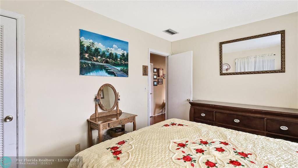 Paradise Gardens 67-37 B for Sale - 1090 NW 67th Ave, Margate 33063, photo 12 of 15
