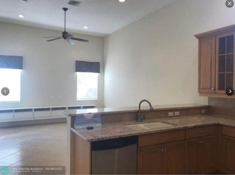 Country Woods 168-5 B for Sale - 7416 NW 51st Way, Coconut Creek 33073, photo 8 of 19