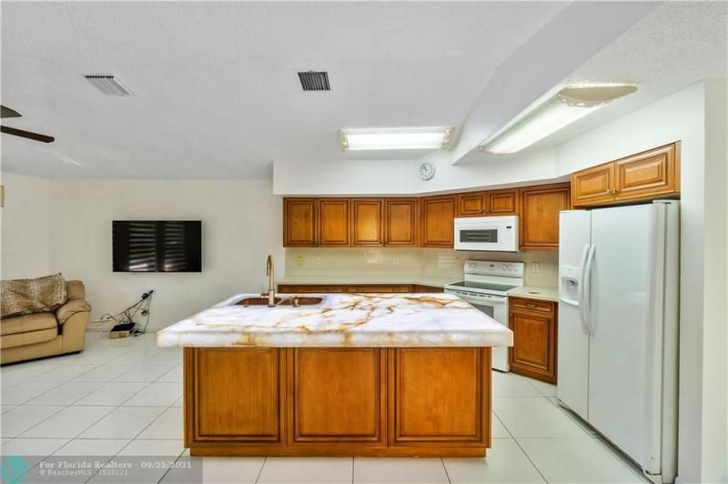 Cocobay for Sale - 6421 NW 41ST TERRACE, Coconut Creek 33073, photo 18 of 60
