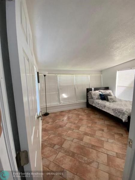 Margate 3rd Add 44-48 B for Sale - 1505 NW 58th Ave, Margate 33063, photo 11 of 18