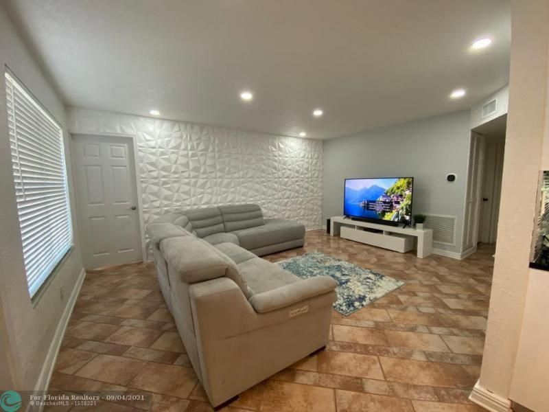 Margate 3rd Add 44-48 B for Sale - 1505 NW 58th Ave, Margate 33063, photo 8 of 18