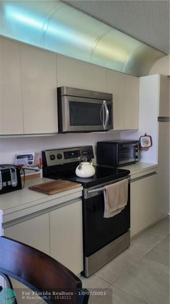 Summit for Sale - 1201 S Ocean Dr, Unit 806N, Hollywood 33019, photo 10 of 25