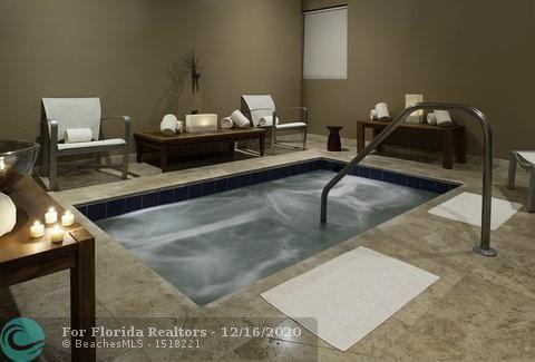 Atlantic Hotel Condominium for Sale - 601 N Fort Lauderdale Beach Blvd, Unit 613, Fort Lauderdale 33304, photo 13 of 15