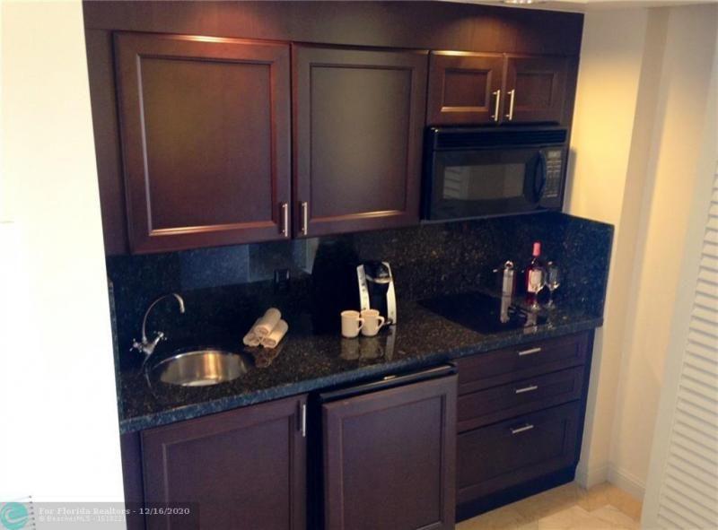 Atlantic Hotel Condominium for Sale - 601 N Fort Lauderdale Beach Blvd, Unit 613, Fort Lauderdale 33304, photo 3 of 15