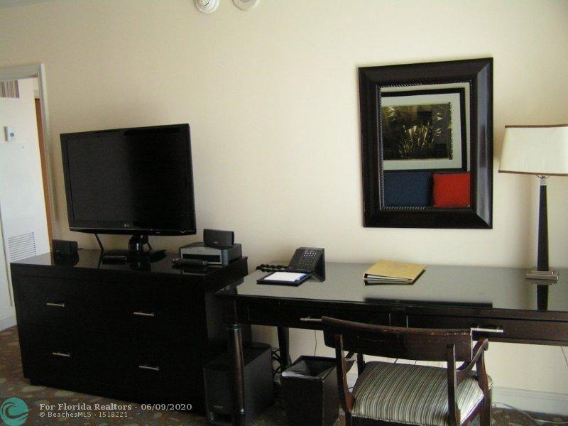 Atlantic Hotel Condominium for Sale - 601 N Fort Lauderdale Beach Blvd, Unit 810, Fort Lauderdale 33304, photo 4 of 17