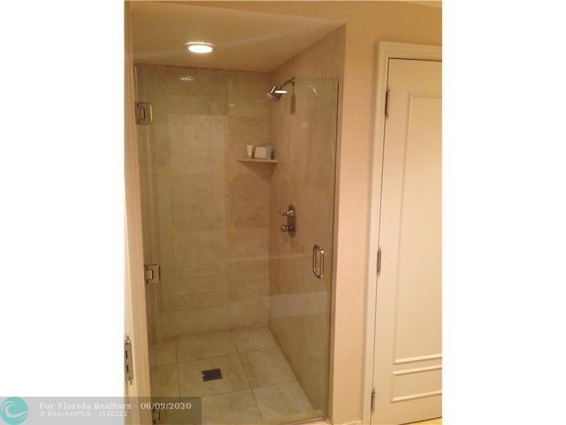 Atlantic Hotel Condominium for Sale - 601 N Fort Lauderdale Beach Blvd, Unit 810, Fort Lauderdale 33304, photo 9 of 17