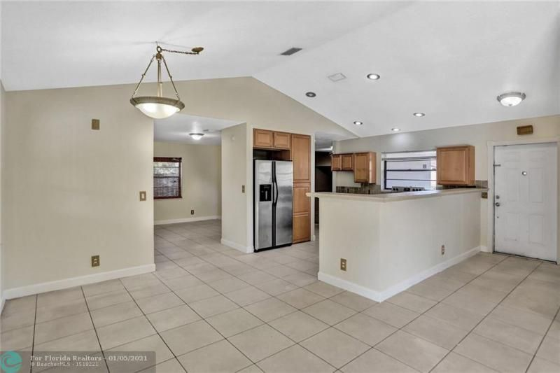 Coral Gate for Sale - 5350 NW 31st Street, Margate 33063, photo 10 of 48