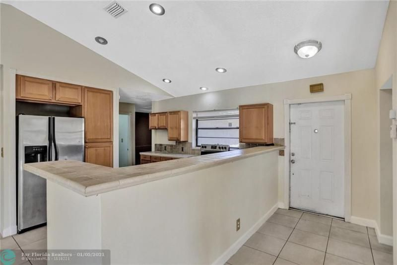 Coral Gate for Sale - 5350 NW 31st Street, Margate 33063, photo 11 of 48