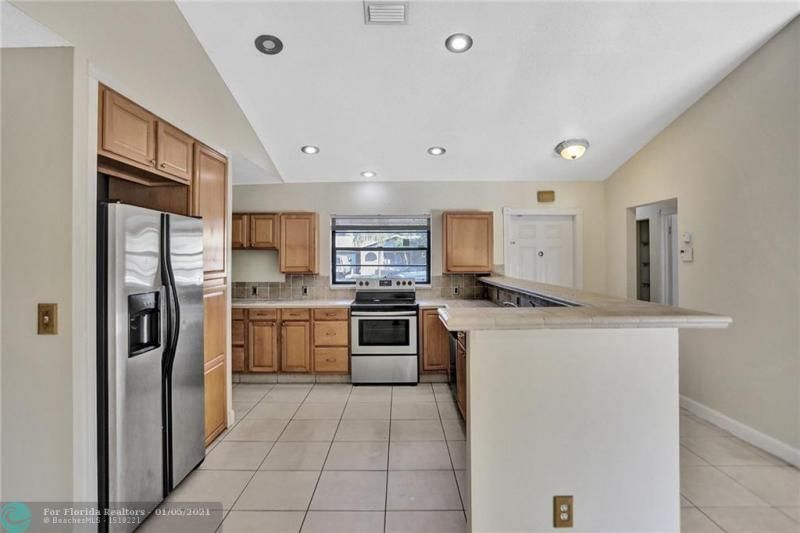Coral Gate for Sale - 5350 NW 31st Street, Margate 33063, photo 12 of 48