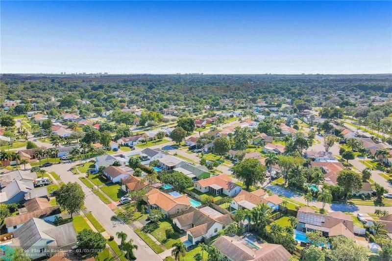 Coral Gate for Sale - 5350 NW 31st Street, Margate 33063, photo 43 of 48