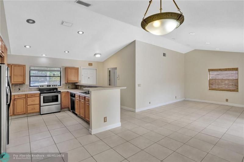 Coral Gate for Sale - 5350 NW 31st Street, Margate 33063, photo 6 of 48