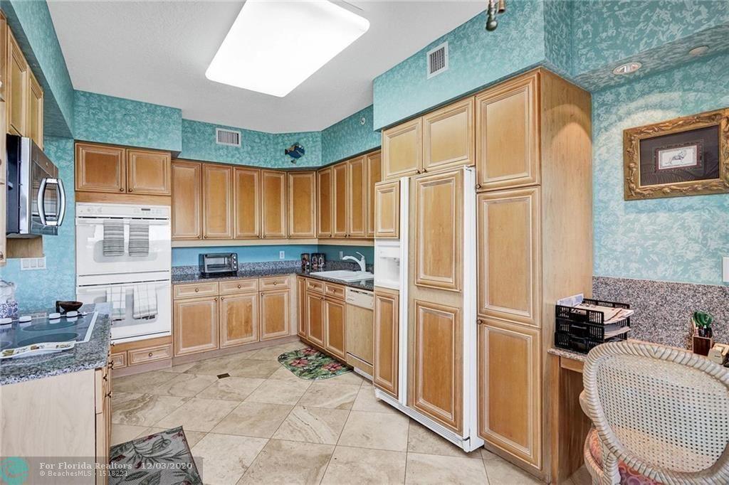 L'Hermitage for Sale - 3100 N Ocean Blvd, Unit 1802, Fort Lauderdale 33308, photo 14 of 36